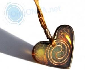 Corazón de Orgonite 8262