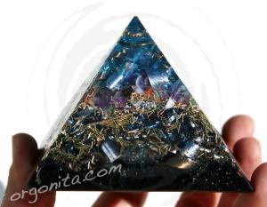 Pirámide de Orgonite 4430