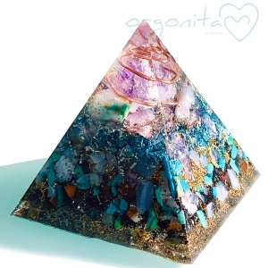 MINI PIRAMIDE Orgonita 6777 - PIEZA UNICA