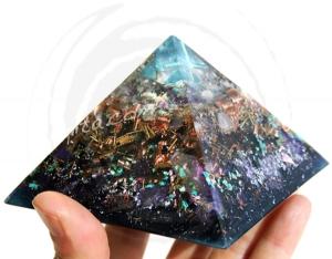 KEOPS - MERKABA de Cuarzo AURA en pirámide 9325