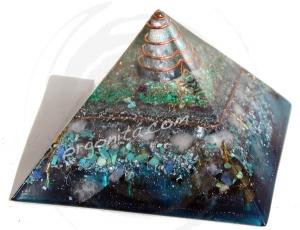 KEOPS - CUARZO AURA en pirámide de Orgonite 9330¡