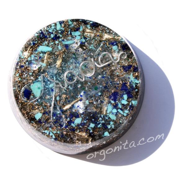 GRACIAS en Orgonite con Cuarzo y minerales